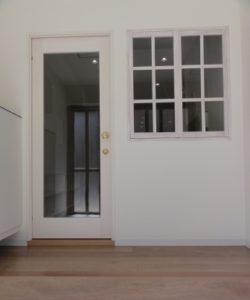 map16-studio-door